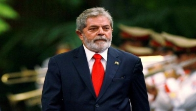 Lula has set, as first goal to regain power for the left, the next municipal elections.