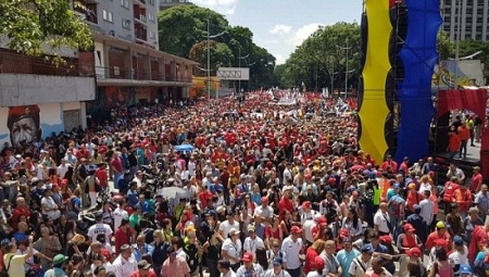 Supporters of President Maduro gather at the center of the capital Caracas in support of the president after the failed attack against him.